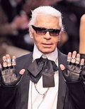 Lagerfeld-with-gloves